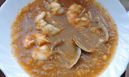 Sopa de pescado vasco gaditana.