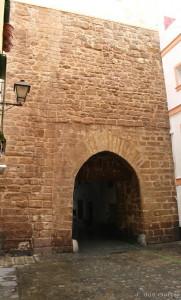 Arco de la Puerta del Mar-Euskádiz