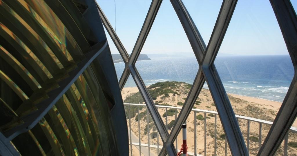 Vista del océano atlántico desde el Faro de Trafalgar