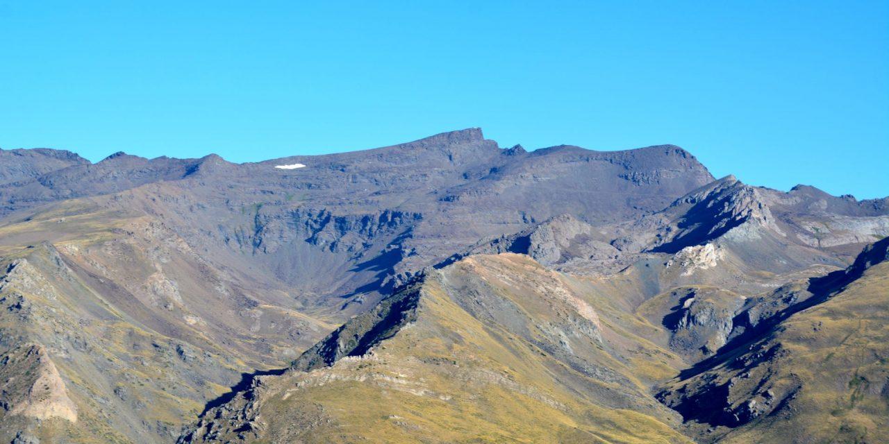 Tocando el cielo: Mulhacén y Veleta.