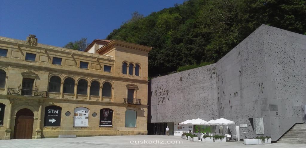 Museo de San Telmo en la plaza Zuloaga
